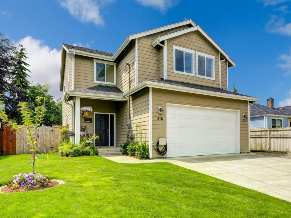 5 Reasons Why Everyone Should Invest in Real Estate